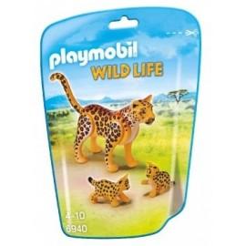 Leopardo con Crias 6940